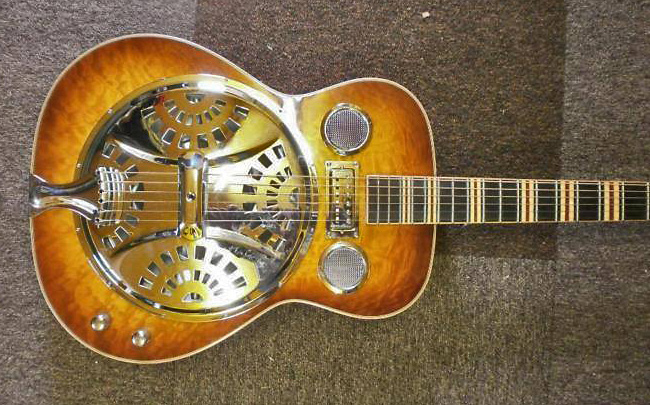 Höfner Resonator incl. nwe Case